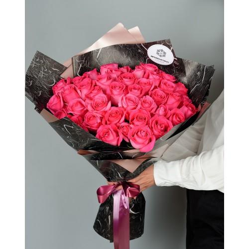 Купить на заказ Букет из 51 розовых роз с доставкой в Зыряновске
