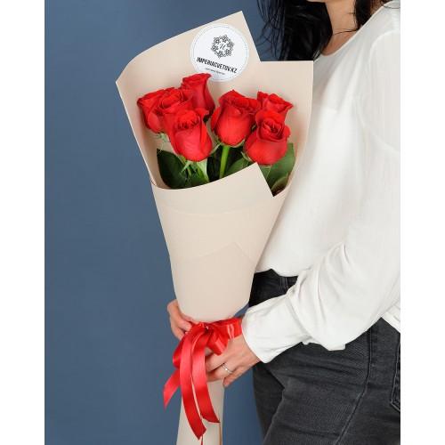 Купить на заказ Букет из 7 роз с доставкой в Зыряновске