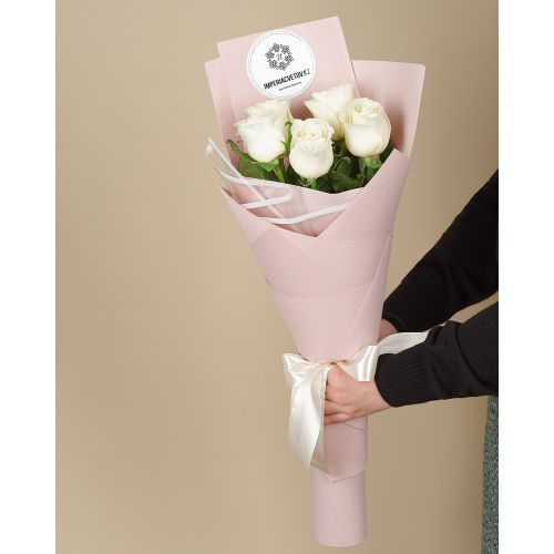 Купить на заказ Букет из 5 роз с доставкой в Зыряновске