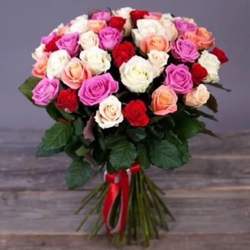Купить на заказ Букет из 31 розы (микс) с доставкой в Зыряновске